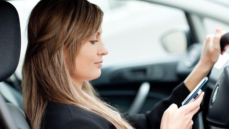 Klarer du ikke å la være å sende SMS når du kjører?