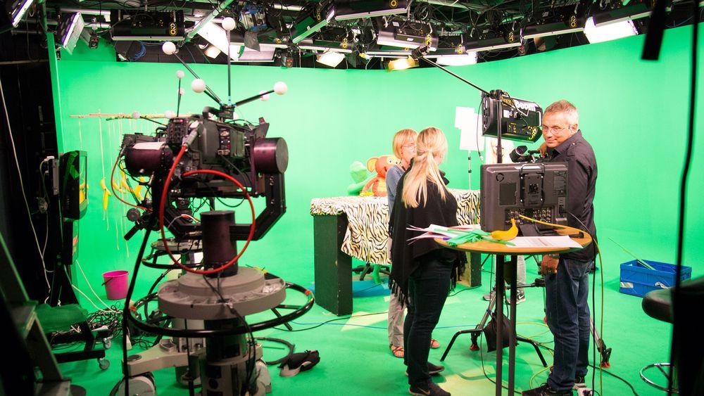 Ett av NRKs heldigitale studioer, her under innspilling av barne-TV. Alt kameraene filmer, lagres i programbanken.