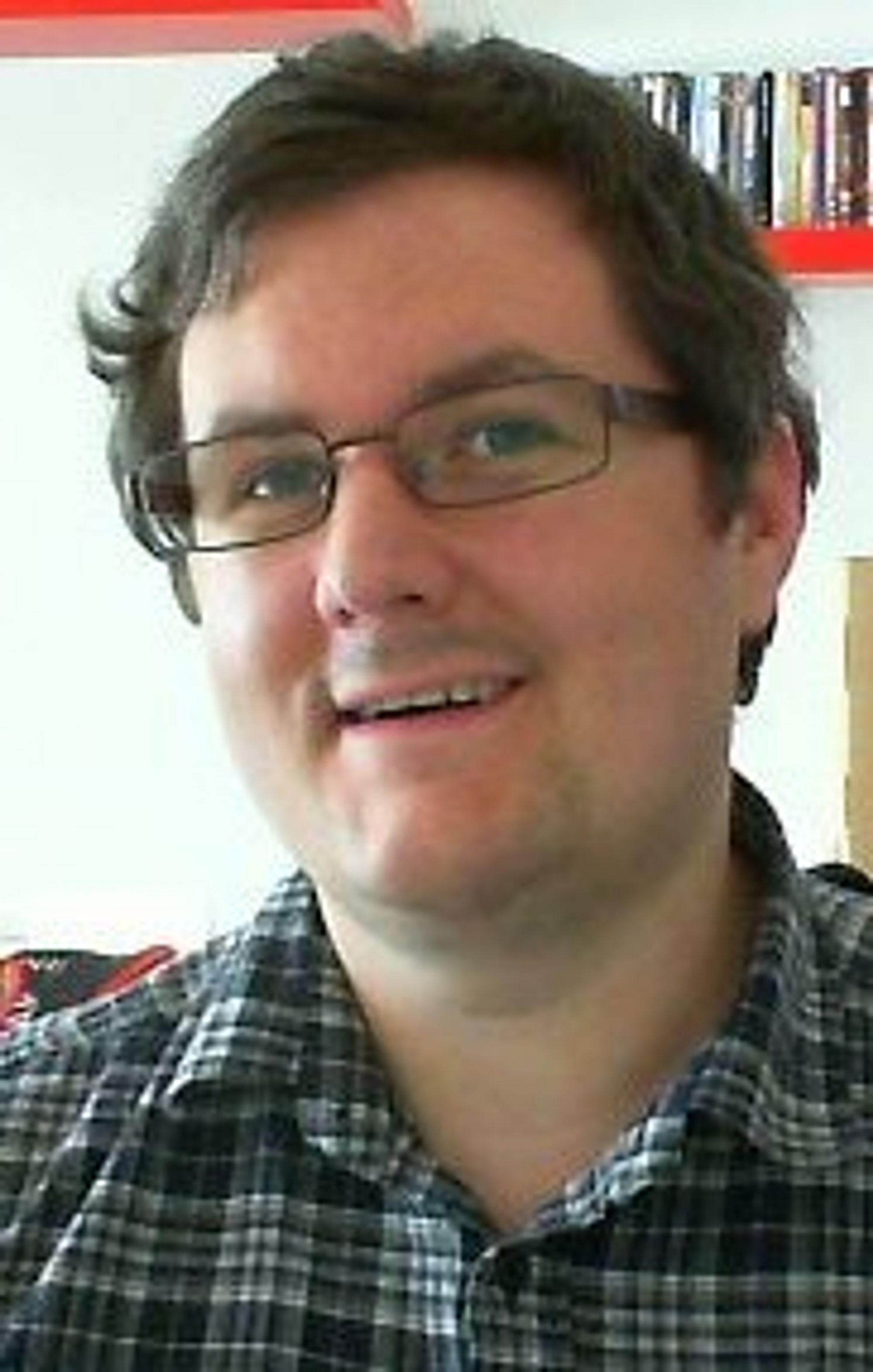 Jostein Hakestad er programleder i både Retro Crew og Rad Crew.