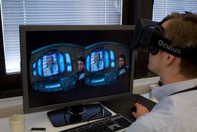 Hardware.no-kollega Varg prøvde seg på Half-Life 2, men det var ikke helt optimalt. (Foto: Jørgen Elton Nilsen / Hardware.no)