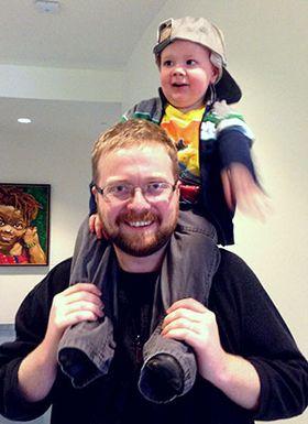 Joel og pappa Ryan Green (Kilde: http://thatdragoncancer.com/).