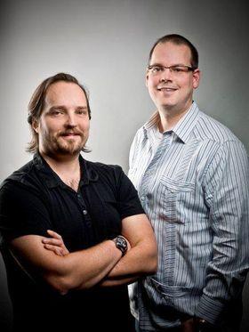 Dr. Ray Muzyka og Dr. Greg Zeschuck fikk Lifetime Achivement Award. (Foto: BioWares blogg)