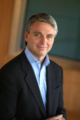 John Riccitiello (bilde: EA).