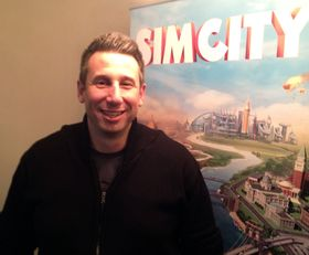 Kip Katsarelis er sjefsprodusent for SimCity. Tidligere har han blant annet arbeidet med SimCity 4, Battlefield 2 og Spore. (Foto: Espen Jansen, Gamer.no)