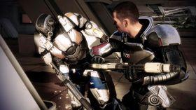 Shepard er en kløpper på det gamle «kolbe i kjeften»-trikset.