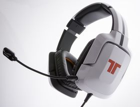 Tritton AX720+ Surround Headset Dolby 7.1. (Foto: Niklas Plikk/Hardware.no)
