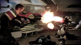 Shepard er så rutinert med våpen at han dreper fiender med stikkflammen.