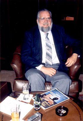 Jay Miner, kjent som Amiga-plattformens far. Bilde: Michael C. Battilana og Cloanto Italia srl, tatt i 1990 (Wikipedia).