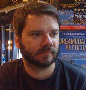 Chet Faliszek, en av hjernene bak Portal 2. (Bilde: EA)