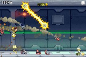 Raketter og laserstråler kappes om å ta livet av vår helt.