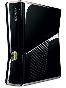 Hvis vår mann vinner turneringen, så får han denne konsollen, abonnement på Xbox Live og en Halo-goodiebag.