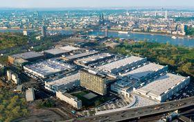 Enorme messehaller i Köln.