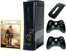 Xbox 360 Elite i Modern Warfare 2-drakt.