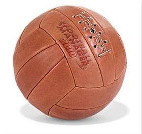 Med denne ballen blir du garantert sjefen på løkka.