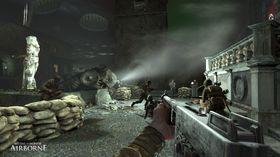 Begge skjermbildene er fra det forrige Medal of Honor-spillet fra 2007.
