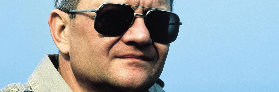 Tom Clancy er død