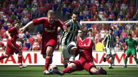 Dirk Kuyt, Alessandro Del Piero og Fernando Torres. Hvor skal Steven Gerrard?