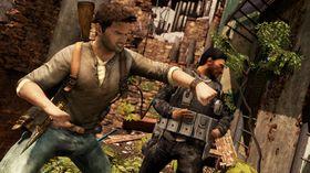 Nathan Drake slår hardt fra seg i Uncharted 2.