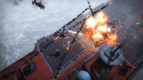Helikopterkamp på Infernos yacht.