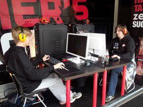 Konsentrerte gutter under finalen fredag ettermiddag. «GLSnute» til venstre og «GLKnutzi» til høyre. (Foto: Tor-Steinar N. Tangedal)