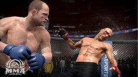 EA Sports MMA fikk rundjuling av konkurrentene, men står fortsatt oppreist.