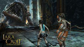 Totec og Lara møter sint beist med stor munn.