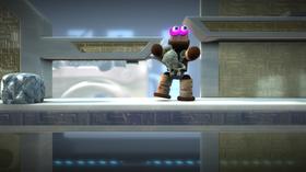 Noen ganger vil det sågar være nødvendig å entre en Sackbot for å utføre oppgaver som krever rå makt.