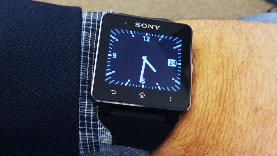 Sony SmartWatch 2 er klar til test.