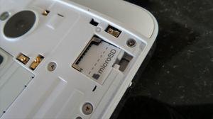 Omsider har HTC fått minnekort på plass igjen.