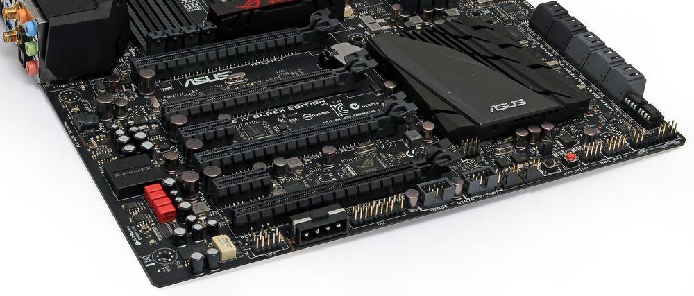 Hovedkortet har fire PCI Express x16-spor og to PCIe x1-spor. Foto: Sindre Eldøy - Hardware.no.