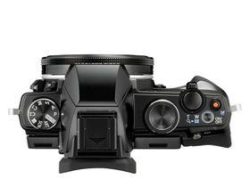 Kompakt, men med utpregete SLR-detaljer.