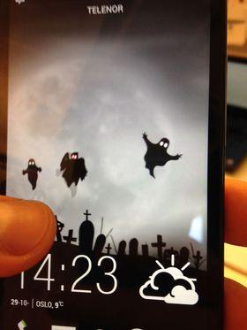 """Android-appen """"Halloween spøkelse LWP"""" gir deg halloween-tema på telefonen."""