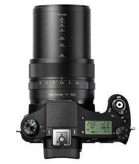 Sony RX10 er litt omfangsrik, men likevel et bra kamera.