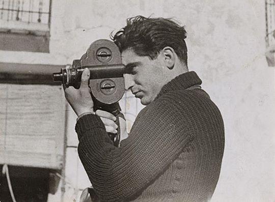 Bilde av Robert Capa fra den spanske borgerkrigen i 1937.