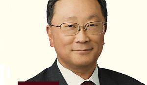 Blackberry-sjef John Chen var mindre fornøyd med T-Mobiles utspill.