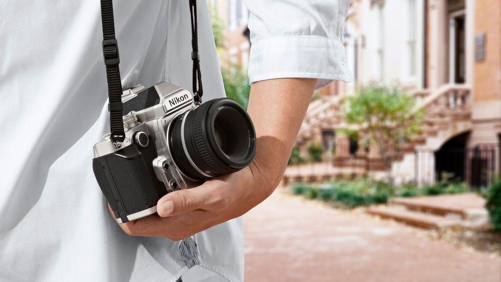 SNIKTITT: Nostalgisk fullformat fra Nikon