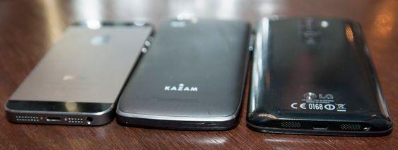 ... og slik ser den ut mellom Apple iPhone 5S, og LG G2.