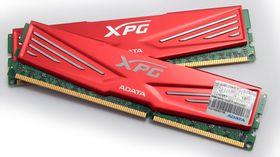 ADATA XPG 2x8 GB DDR3 2133 MHz.