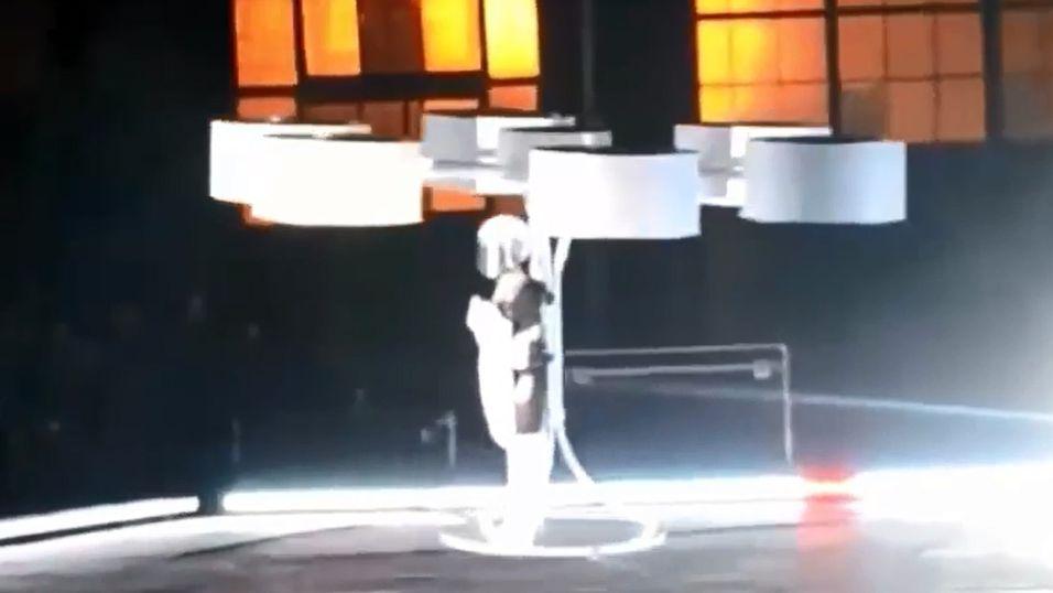 Sjekk ut Lady Gagas spinnville «kjole»