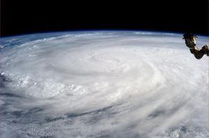 Tyfonen Haiyan fotografert fra ISS.