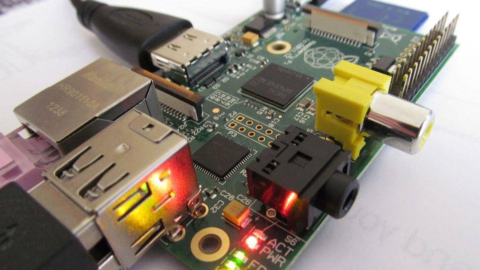 23-åring lager eget OS til knøttemaskinen Raspberry Pi
