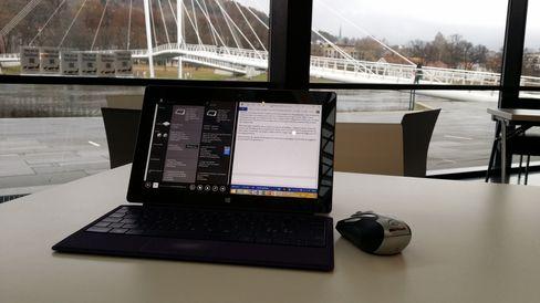 Office-grensesnittet er ikke det mest fingervennlige, selv om du strengt tatt klarer deg uten mus eller tastatur.