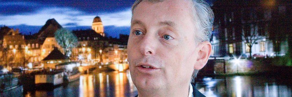 Teknisk direktør Ulf Ewaldsson ønsker ikke en strid mellom mobilbransje og tv-bransje om frekvenser. Han vil ha samarbeid om bruk av frekvensene - ved hjelp av LTE.