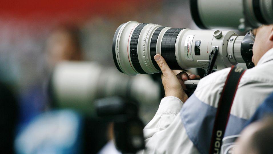 Fransk avis protesterte til støtte for pressefotografene