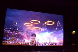 Her ser vi åpningssermonien fra London OL. .