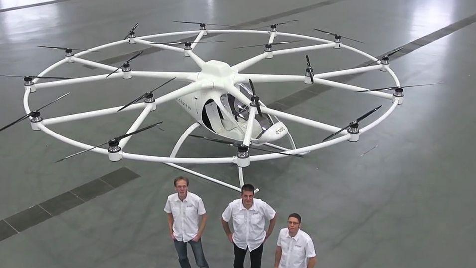 Se 18-rotors helikopter ta av