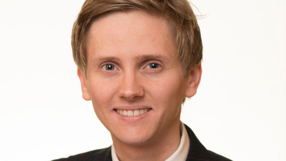 Reynir Jóhannesson i Samferdselsdepartementet sier at gjenstridige kommuner har til november med å mye opp strenge graveregler.