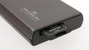 Det følger med en adapter fra MicroSD til SD.
