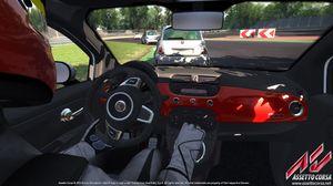 Bilenes interiør er detaljert.