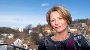Forbrukerombud Gry Nergård mener Telenor burde bære ulempen etter abonnementsbyttet.
